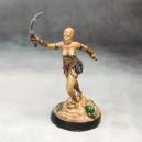 Flagellatrice 3 - épée en avant