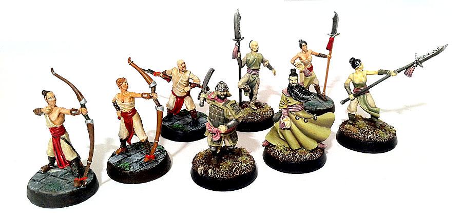 Les figurines triadiques peintes de la boîte de base Alkemy